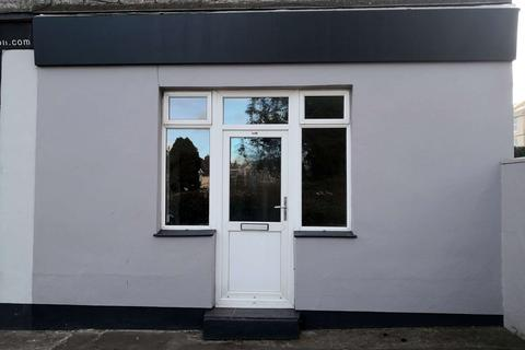 Retail property (high street) to rent - Reddenhill Road, Babbacombe, Torquay