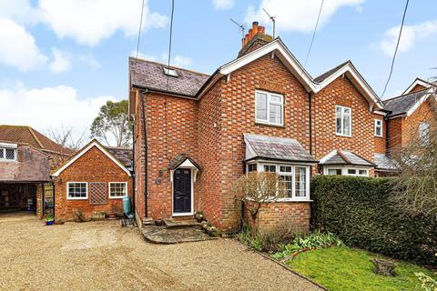 2 bedroom semi-detached house for sale - Station Road, Rudgwick, RH12