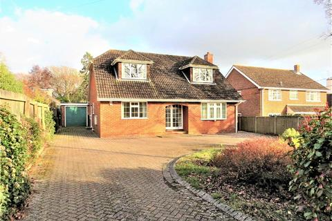 3 bedroom chalet for sale - Barton on Sea