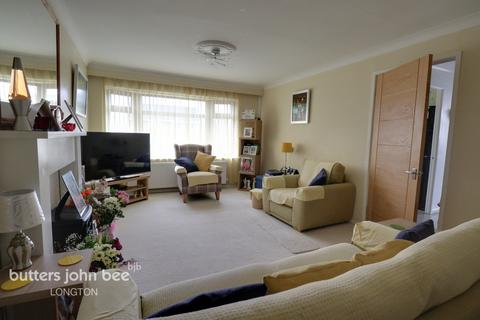 2 bedroom semi-detached bungalow for sale - Priestley Drive, Stoke-On-Trent