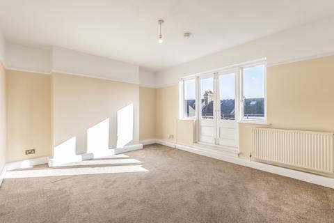 3 bedroom flat to rent - Glenmore Road Belsize Park NW3