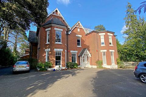 2 bedroom flat for sale - Wimborne