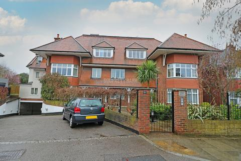 3 bedroom apartment to rent - Raleigh Close, Hendon