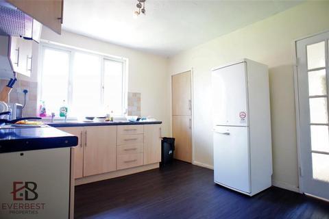4 bedroom flat to rent - Shield Street, Newcastle Upon Tyne