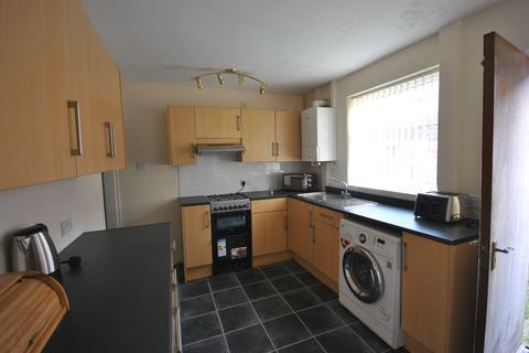 3 bedroom flat to rent - Marshe Close, Potters Bar