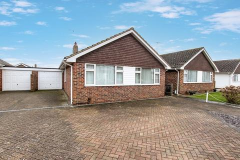 3 bedroom detached bungalow for sale - Cumberland Avenue, Goring-by-sea, Worthing, BN12 6JX