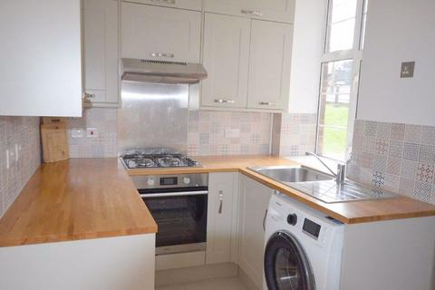 2 bedroom property to rent - Colney Hatch Lane, N10