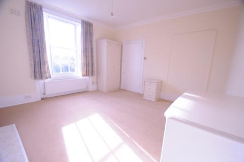 Studio to rent - First Floor, Shooters Hill Road, Blackheath, SE3