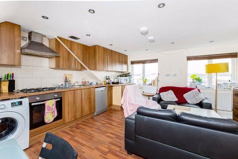 5 bedroom flat to rent - Hargwyne Street, Brixton, London