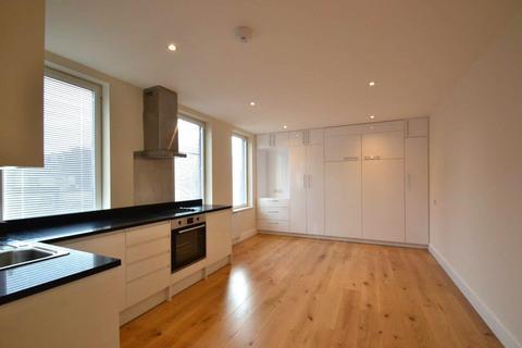 Studio to rent - King Street, Hammersmith, W6