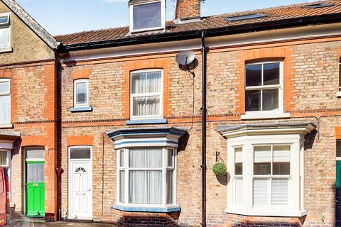 3 bedroom house for sale - King Street, Driffield