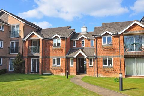 2 bedroom apartment to rent - Hedingham Mews