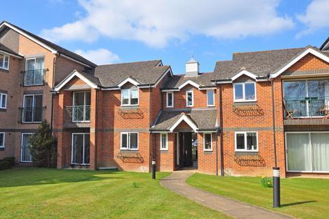 2 bedroom apartment to rent - Hedingham Mews