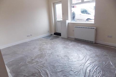 Studio to rent - Cotmanhay Road, Ilkeston