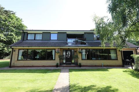 4 bedroom detached house for sale - The Turrets, Hooks Lane, Thorngumbald, Hull