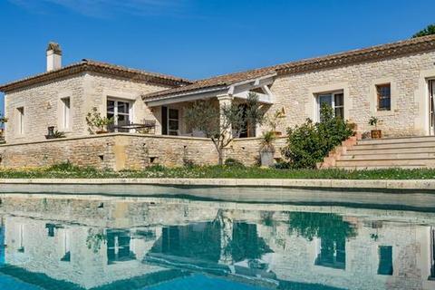 4 bedroom villa - 30700 Uzes, Gard, Languedoc-Roussillon