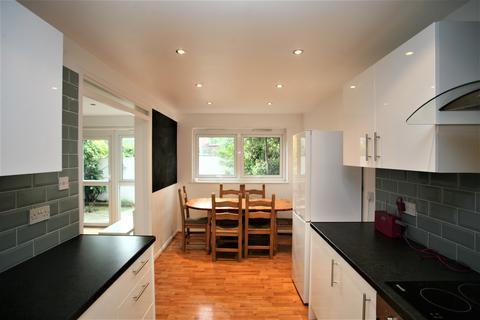 3 bedroom terraced house to rent - Wandsworth Common Westside, Wandsworth, SW18 2EP