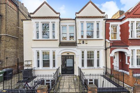 4 bedroom flat for sale - Cavendish Road, Clapham
