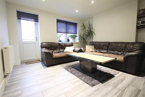2 bedroom flat for sale - Flat , Alford House, Barnfield Road, London
