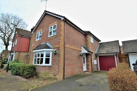 3 bedroom detached house for sale - Canberra Close, Crawley, West Sussex. RH11 7UB