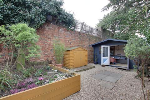 Studio for sale - Park Road, Worthing, West Sussex, BN11
