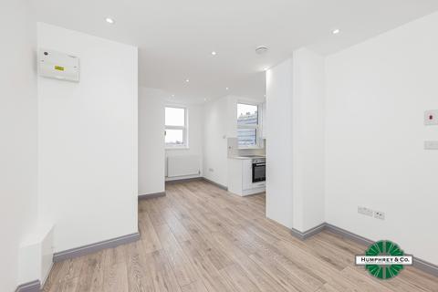 1 bedroom flat to rent - Wordsworth Parade, Green Lanes, London, N8 0SJ