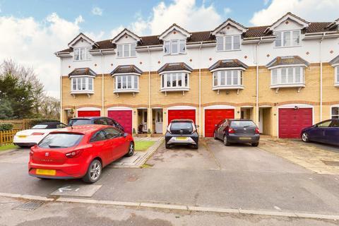 3 bedroom terraced house for sale - Harcourt, Wraysbury, TW19