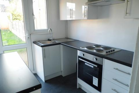 3 bedroom terraced house to rent - Stanley Road, Hornchurch RM12