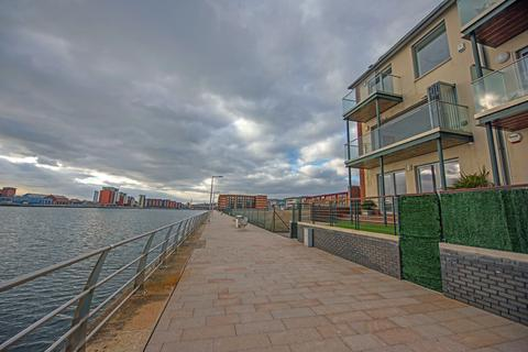 4 bedroom townhouse for sale - 12 Emily Court, Swansea