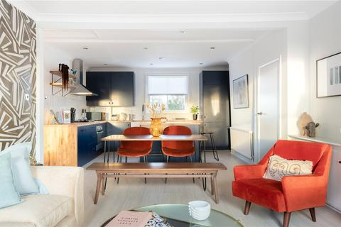 3 bedroom apartment to rent - Benthal Road, Clapton, London, N16