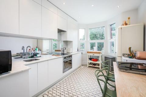 3 bedroom flat for sale - Downhills Park Road, London N17