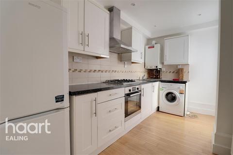 3 bedroom flat to rent - Askew Road, W12