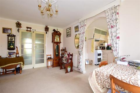 3 bedroom bungalow for sale - Farm Road, Bracklesham Bay, Chichester, West Sussex