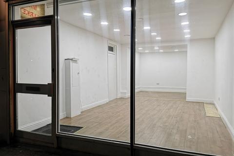 Shop to rent - a, Lumb Lane, Bradford, BD8