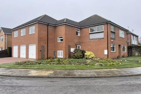 3 bedroom apartment for sale - EATON COURT, GRIMSBY