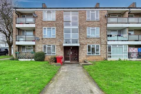2 bedroom flat for sale - Off Langley Road