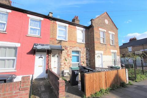 3 bedroom terraced house to rent - Wycombe Road, Tottenham, N17