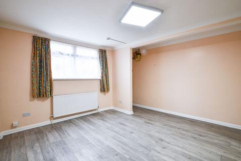 Studio to rent - Markhouse Road, Walthamstow E17