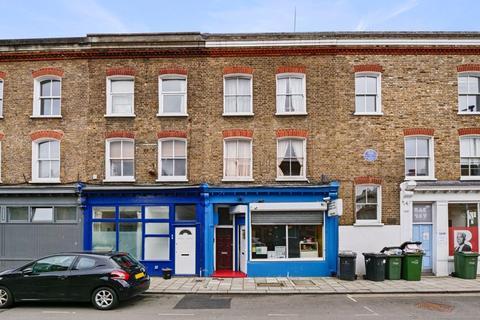 4 bedroom property for sale - FOUR BEDROOM HOUSE & SHOP, Shakespeare Road, London SE24