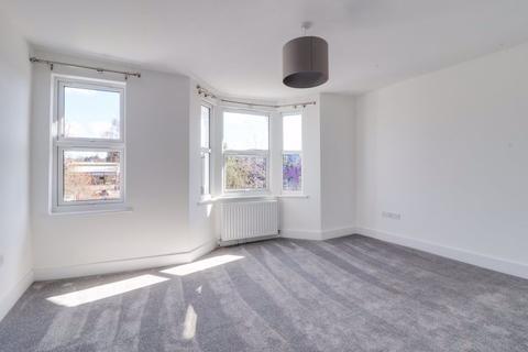 1 bedroom flat to rent - WOOD STREET, WALTHAMSTOW