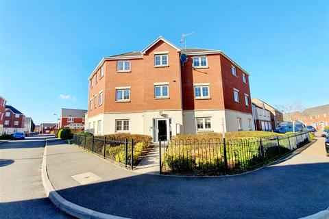 2 bedroom flat for sale - Six Mills Avenue, Gorseinon, Swansea