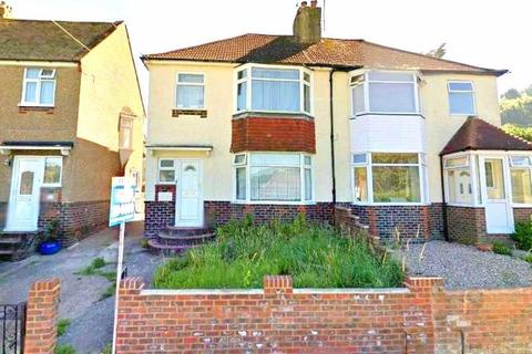 4 bedroom house to rent - Lower Bevendean Avenue, Brighton