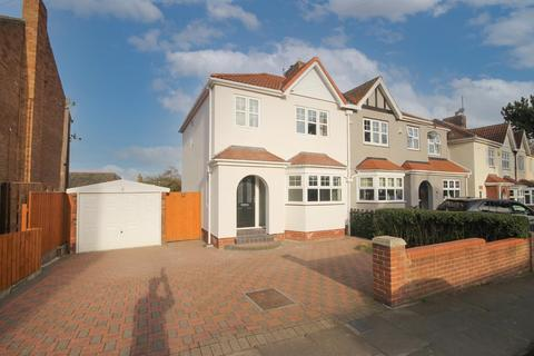 3 bedroom semi-detached house for sale - Cresswell Drive, West Park, Hartlepool