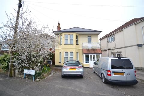 2 bedroom flat for sale - Truscott Avenue, Winton, Bournemouth