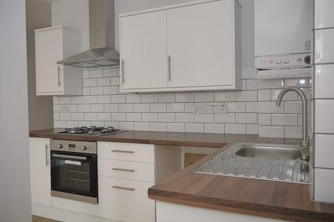 1 bedroom ground floor flat to rent - Cann Hall Road, London, Greater London. E11
