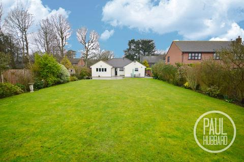 3 bedroom detached bungalow for sale - Corton Long Lane, Corton , Lowestoft