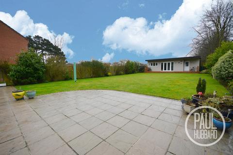 3 bedroom detached bungalow for sale - Corton Long Lane, Corton , Lowestoft