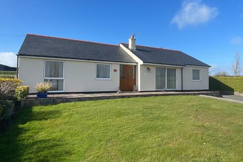 3 bedroom detached bungalow for sale - Llangristiolus, Anglesey