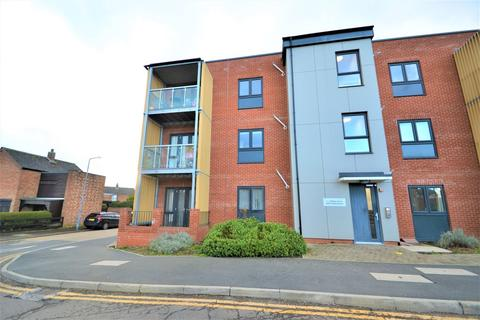 1 bedroom ground floor flat for sale - Fullwell Avenue, CLAYHALL