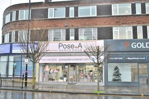 House to rent - Higher Road, Urmston, Manchester